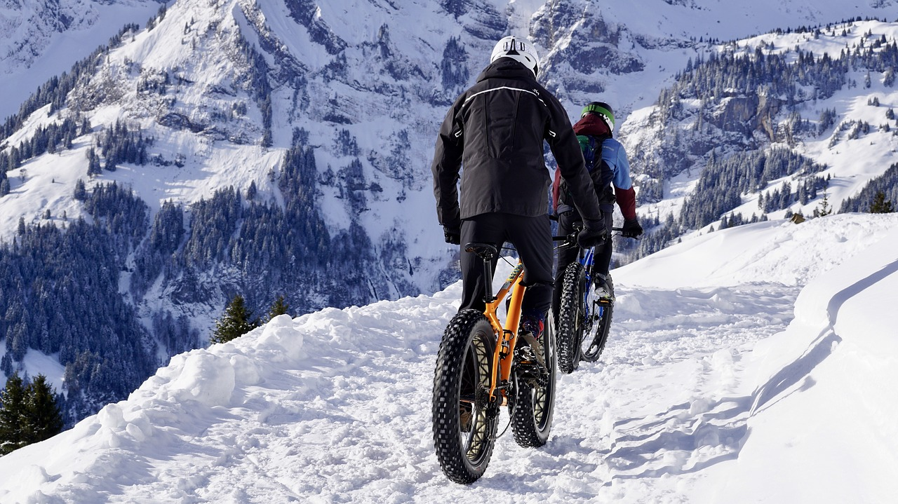 CYCLING on Snowy Mountain